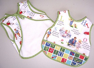 Amazon.com: bibs with sleeves: Baby Products